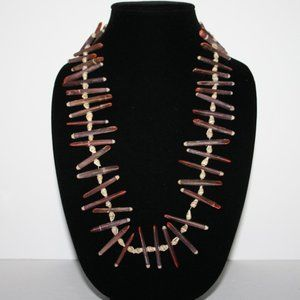 Beautiful vintage shell necklace